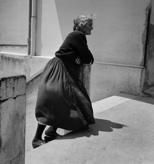 Lady in Waiting, Vallecorsa, Italy. 1962